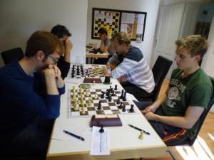 Rechte Seite von re. nach links:Philipp Raicht, Wolfgang Judmaier, Markus Schmücker